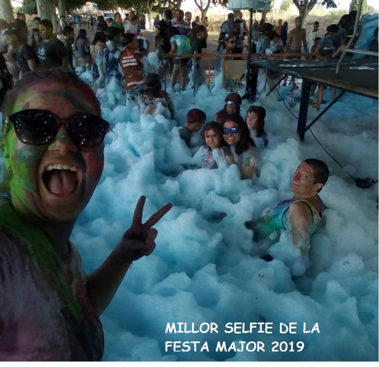 selfie 2019.png